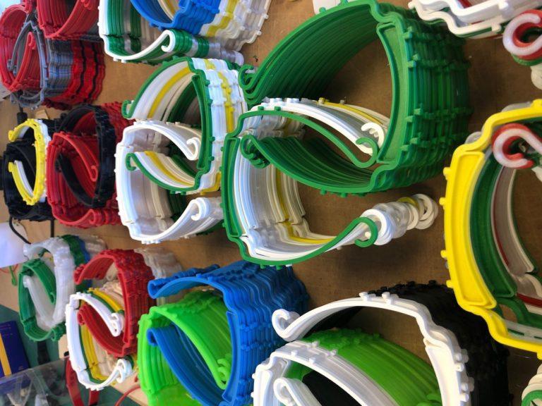 Bågar till skyddsvisir i många glada färger