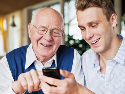 Digitala träffar mellan anhöriga och äldre Uddevalla kommun